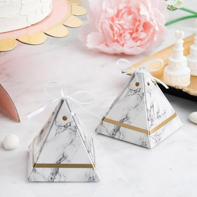 Attractive corrugated pyramid boxes for your loved ones