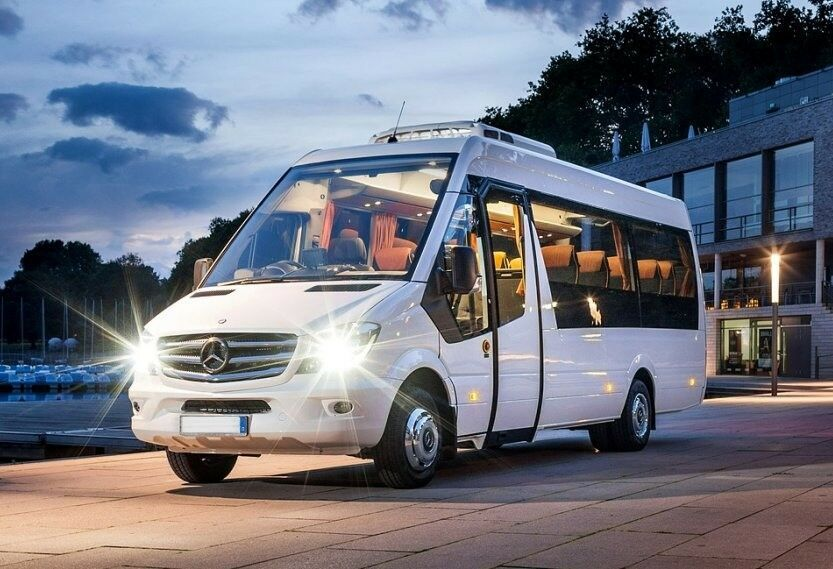 Minibus hire with driver-Things to consider