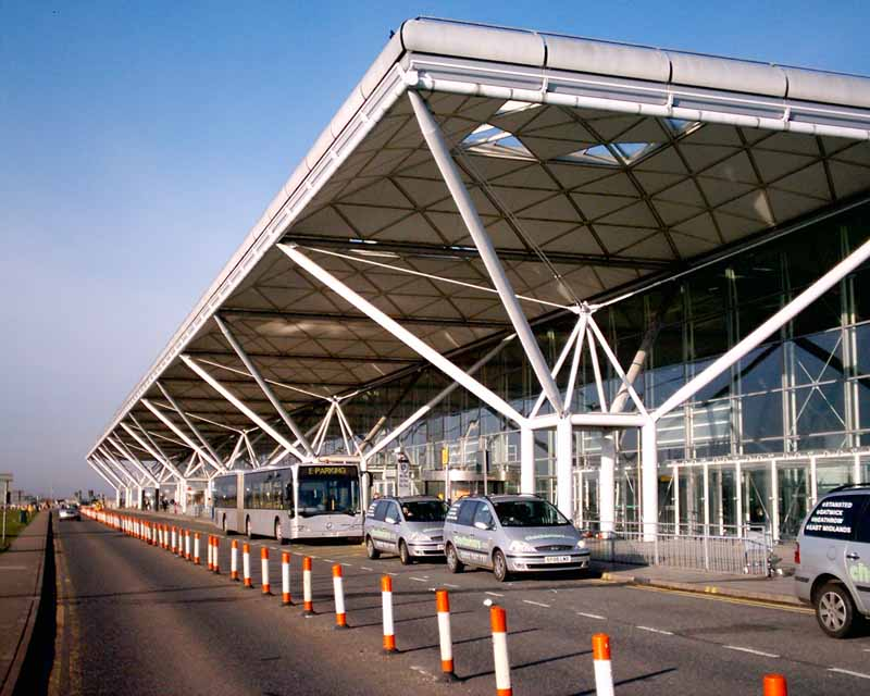 How to choose the right Stansted airport transfers service?