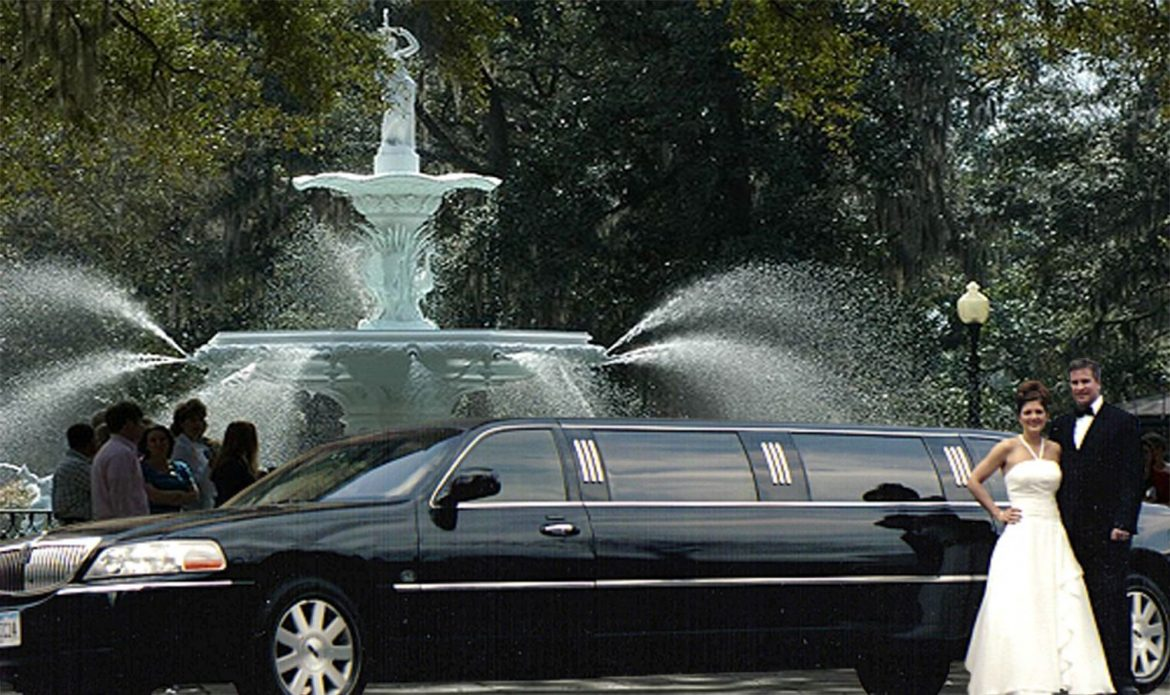 4 Tips to Choose the Best Wedding Limo Rental