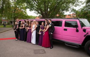 Considering Factors in Choosing Prom Limo Service