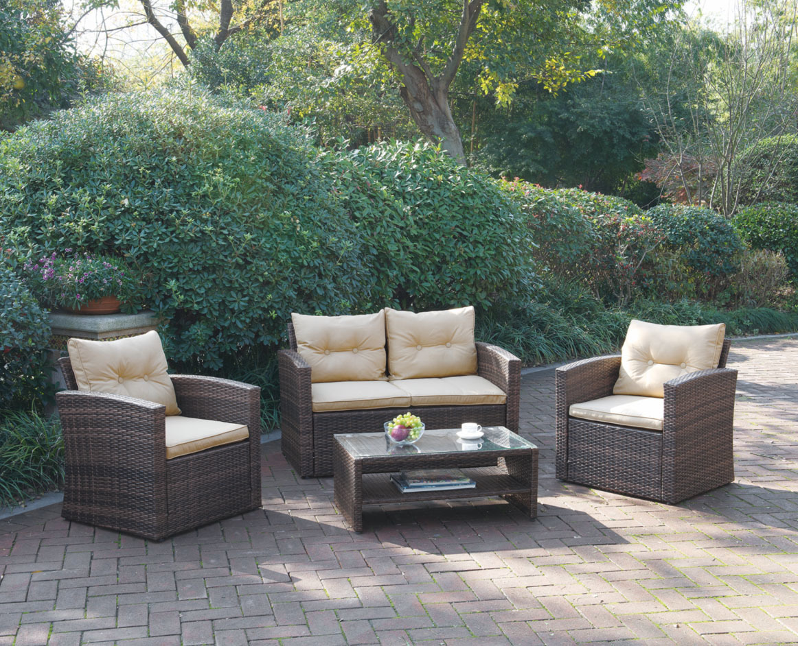 The unique and Comfortable Outdoor Furniture Sets