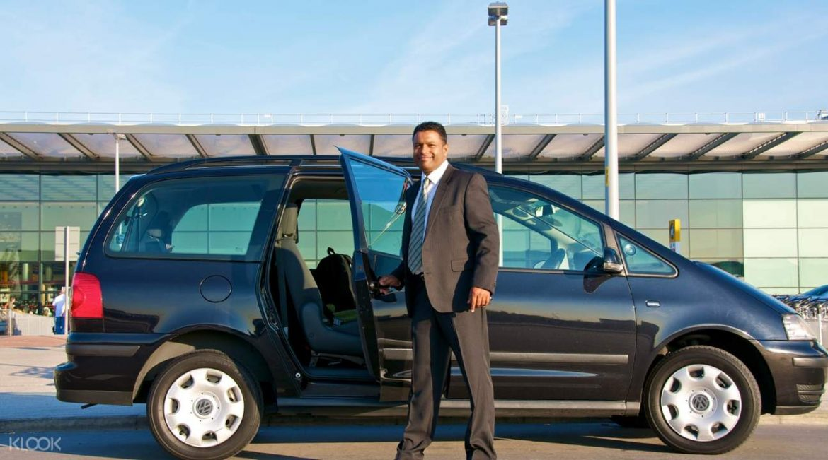 Travel At Cheap Prices From Luton Airport To Oxford Through Airport Taxi