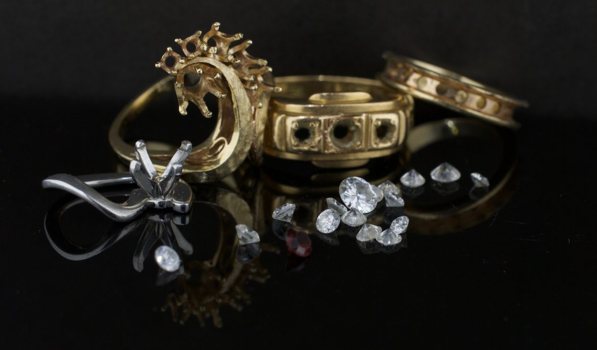 4 Must Know Jewelry Styling Tips
