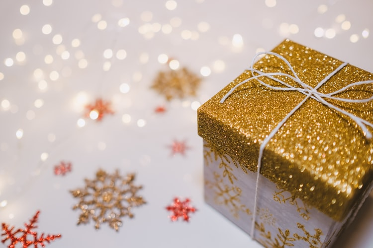 What to Get Your Boyfriend For Christmas 2020 (Top 10 Gift Ideas)