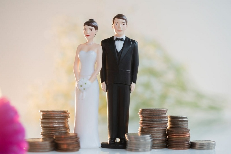 How Newlyweds Can Avoid Money Management Conflicts