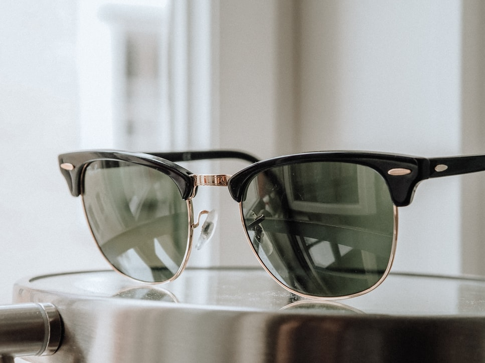 5 Reasons to Invest in Designer Sunglasses