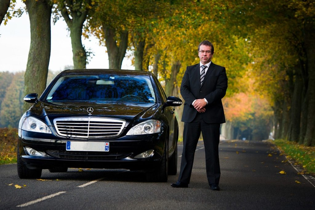 Which Kind Of Services You Get By The Professional Taxi Birmingham