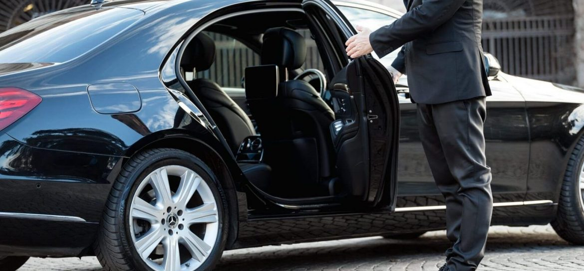 Why Book Luxury Chauffeur Driven Car For Event Transfers South East Queensland