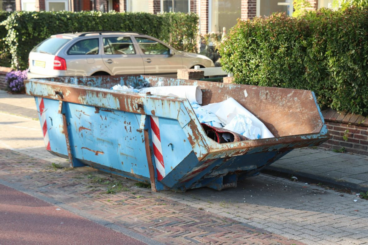 Reasons You Need To Hire A Professional Skip Hire
