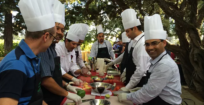 Why Arrange A Cooking Class For Your Corporate Teambuilding?