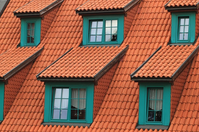 Your Flat Roofing Maintenance Checklist (How to Make It Last)